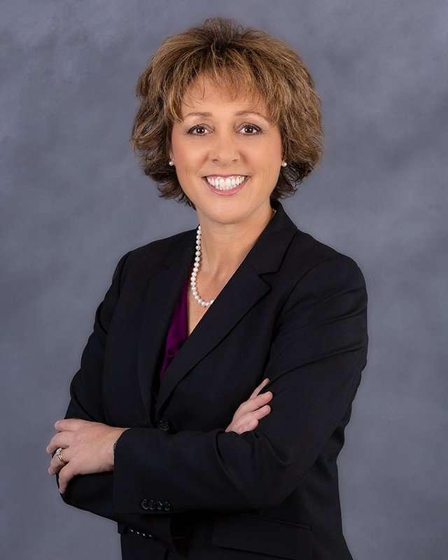 Dr. Maria Pharr headshot